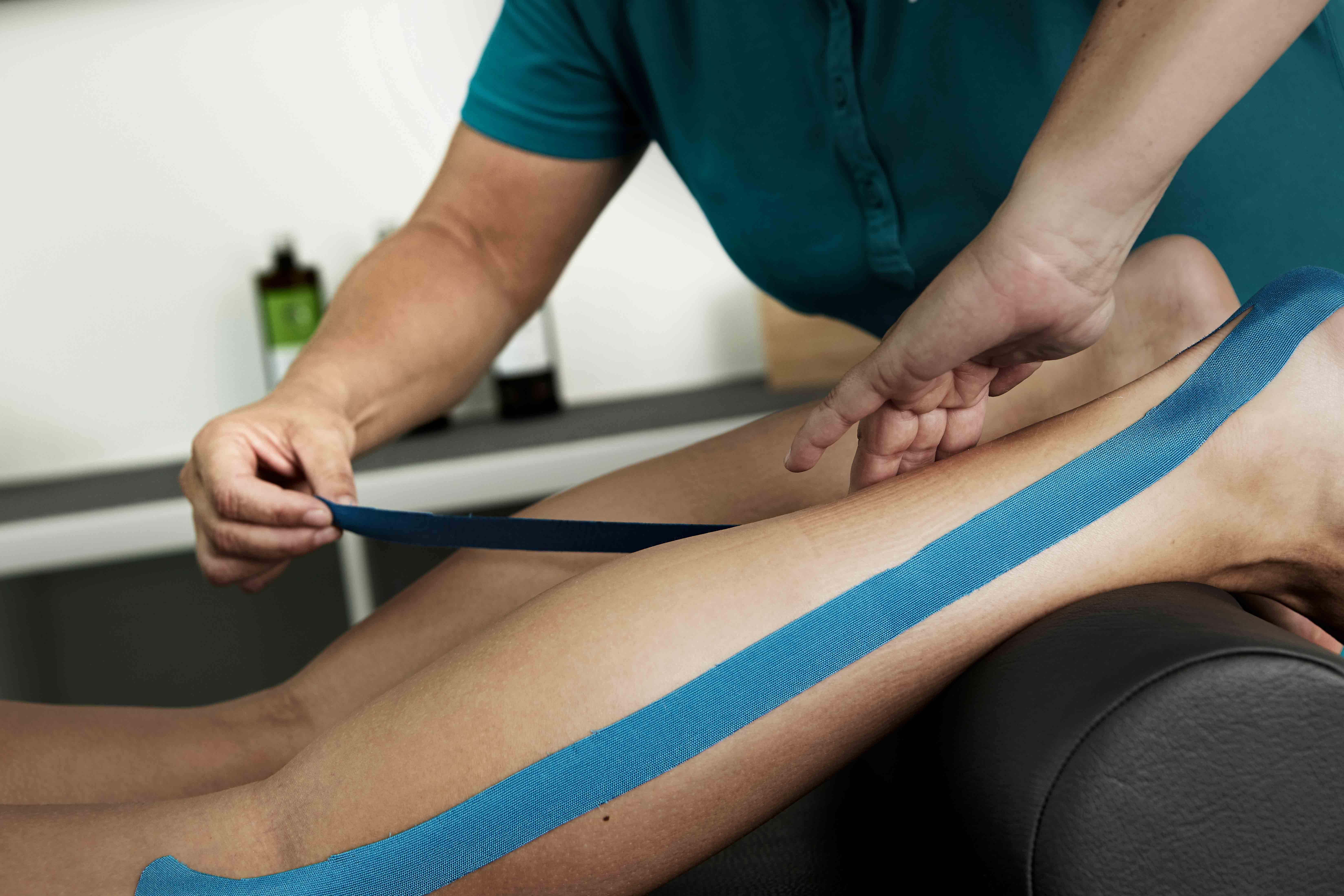Kinesiotape - Physiotherapie RHOEN REHAB