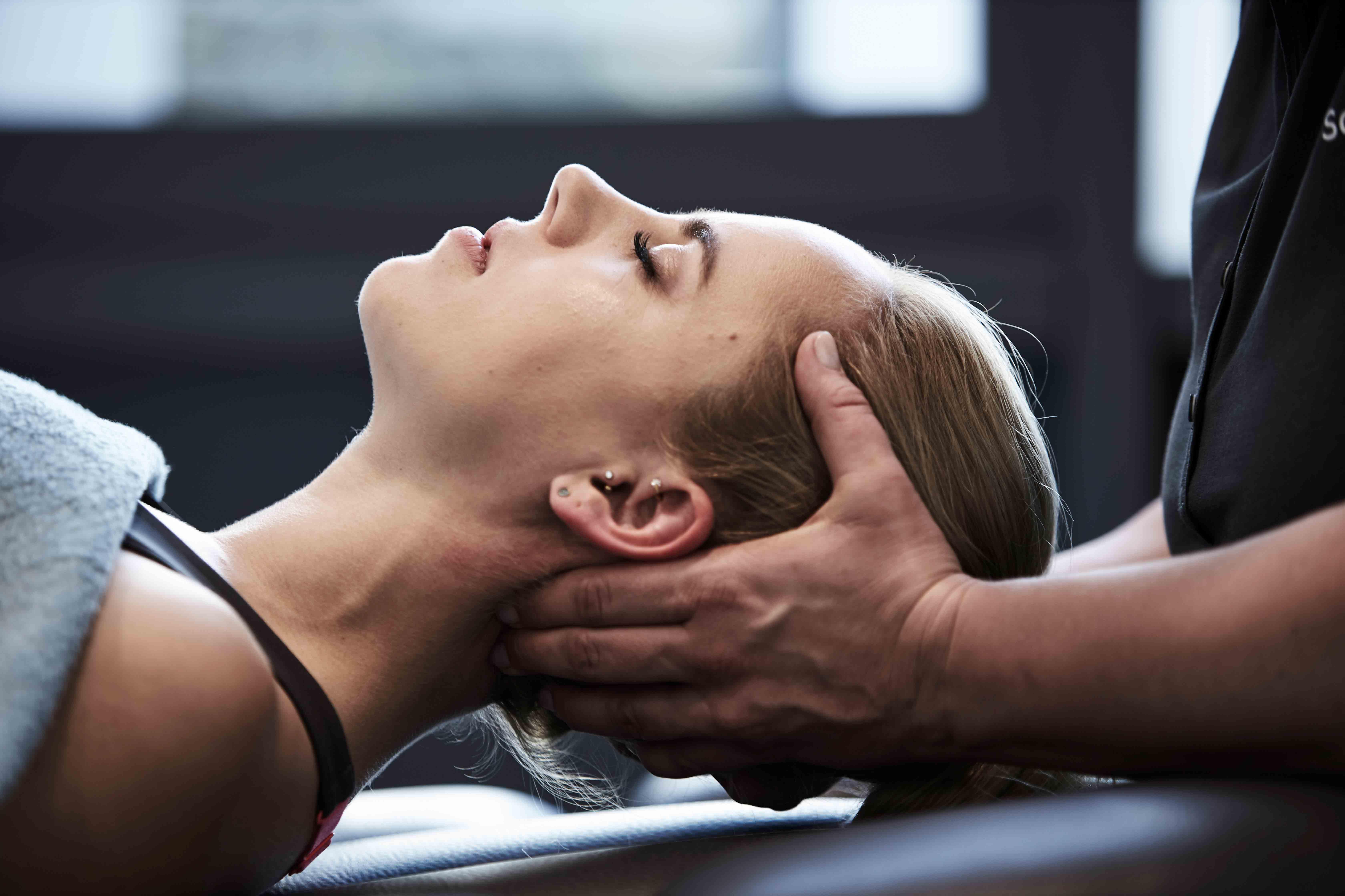 Behandlung Kopfschmerzen, Kieferschmerzen, Osteopathie